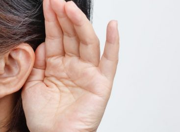 Signs You May be Dealing with Hearing Loss